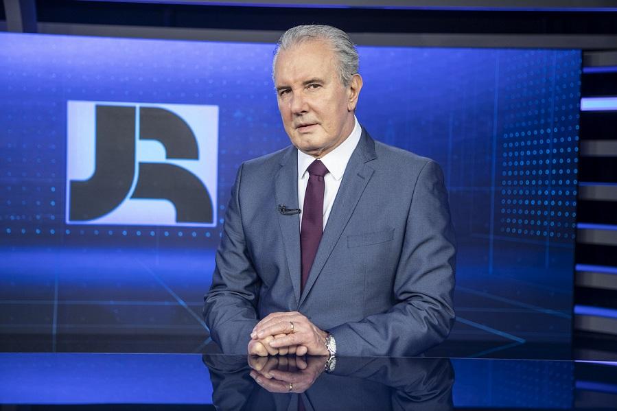 """Por absoluto cuidado, Celso Freitas se afasta novamente da apresentação do """"Jornal da Record"""""""
